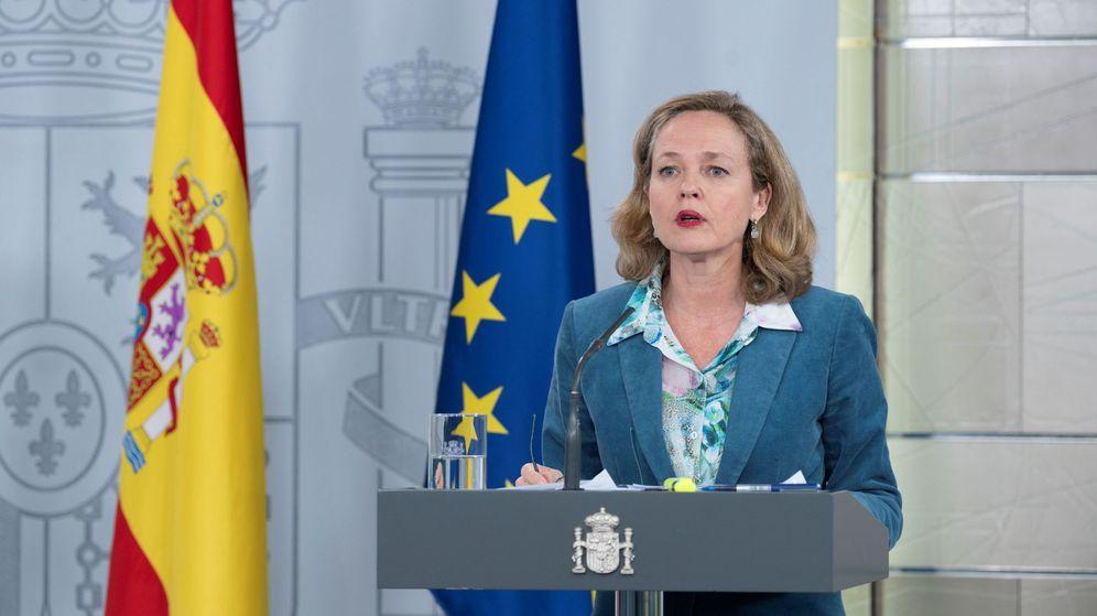 Foto: Nadia Calviño, durante la rueda de prensa posterios al Consejo de Ministros del 31 de marzo. (EFE)