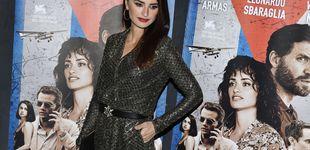 Post de Penelope Cruz calienta motores para Los Goya con este total look joya de Chanel