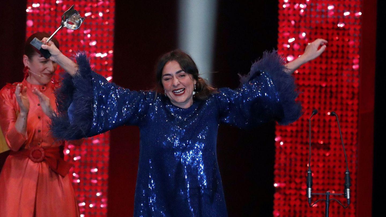 Candela Peña, tras recibir el premio por su trabajo en 'Hierro'. (EFE)