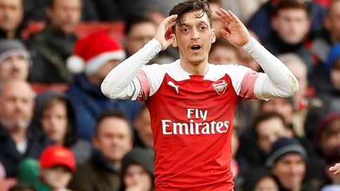 Defensa dentro y fuera del campo: intentan robar el coche de Özil y Kolasinac lo evita
