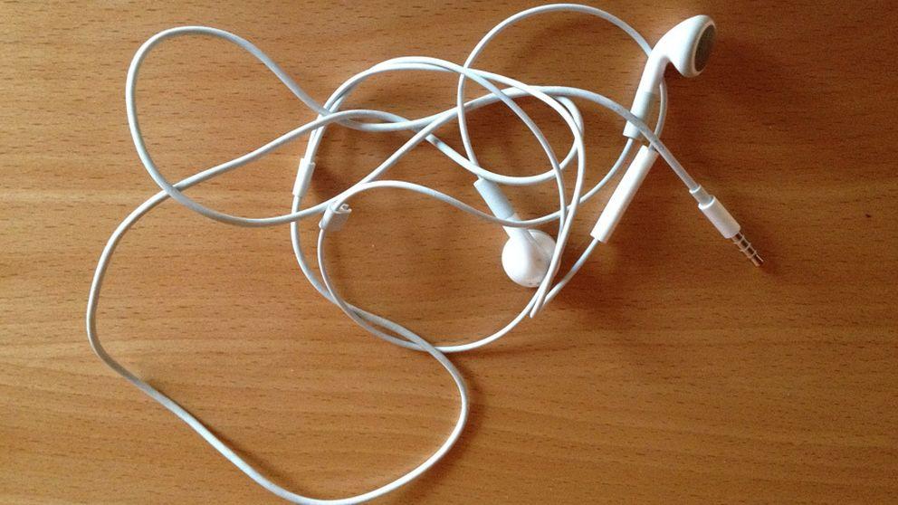 La ciencia explica por qué el cable de tus auriculares siempre se enreda