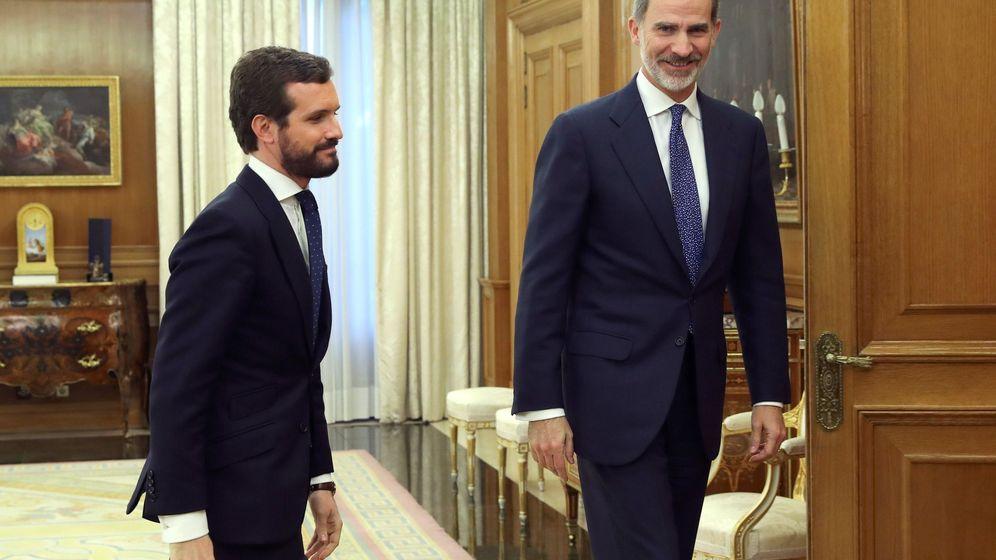 Foto: Felipe VI recibe en audiencia a Pablo Casado en el Palacio de la Zarzuela. (EFE)