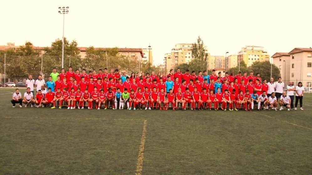 Foto: Imagen de los jugadores de todas las categorías del CF Rafalafena (FOTO: Facebook)