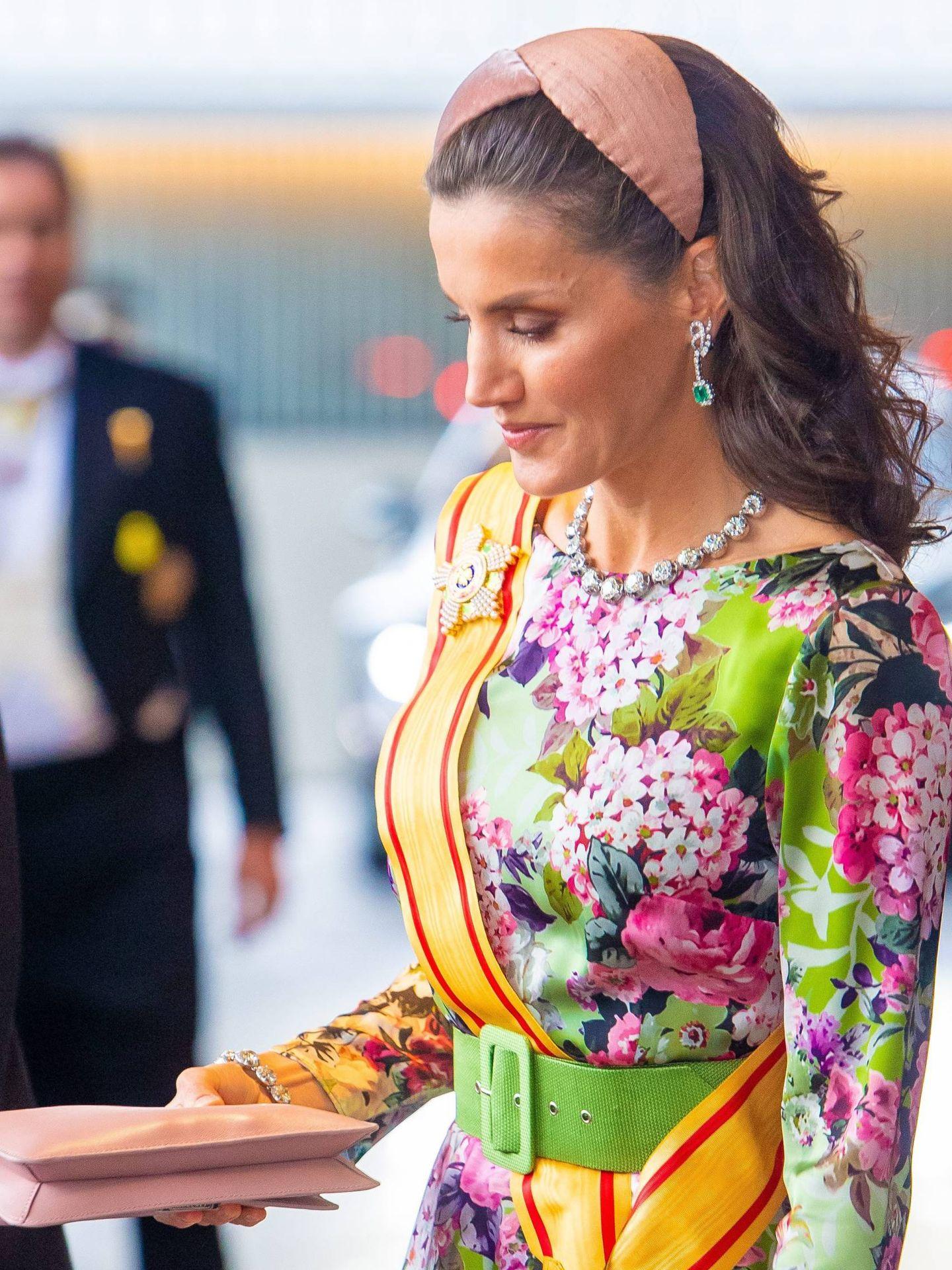 La Reina, a su llegada a la entronización. (Cordon Press)