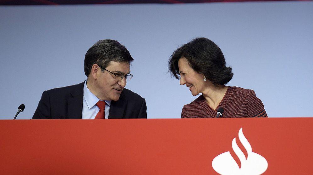 Foto: Ana Botín y José Antonio Álvarez, presidenta y CEO del Santander. (EFE)