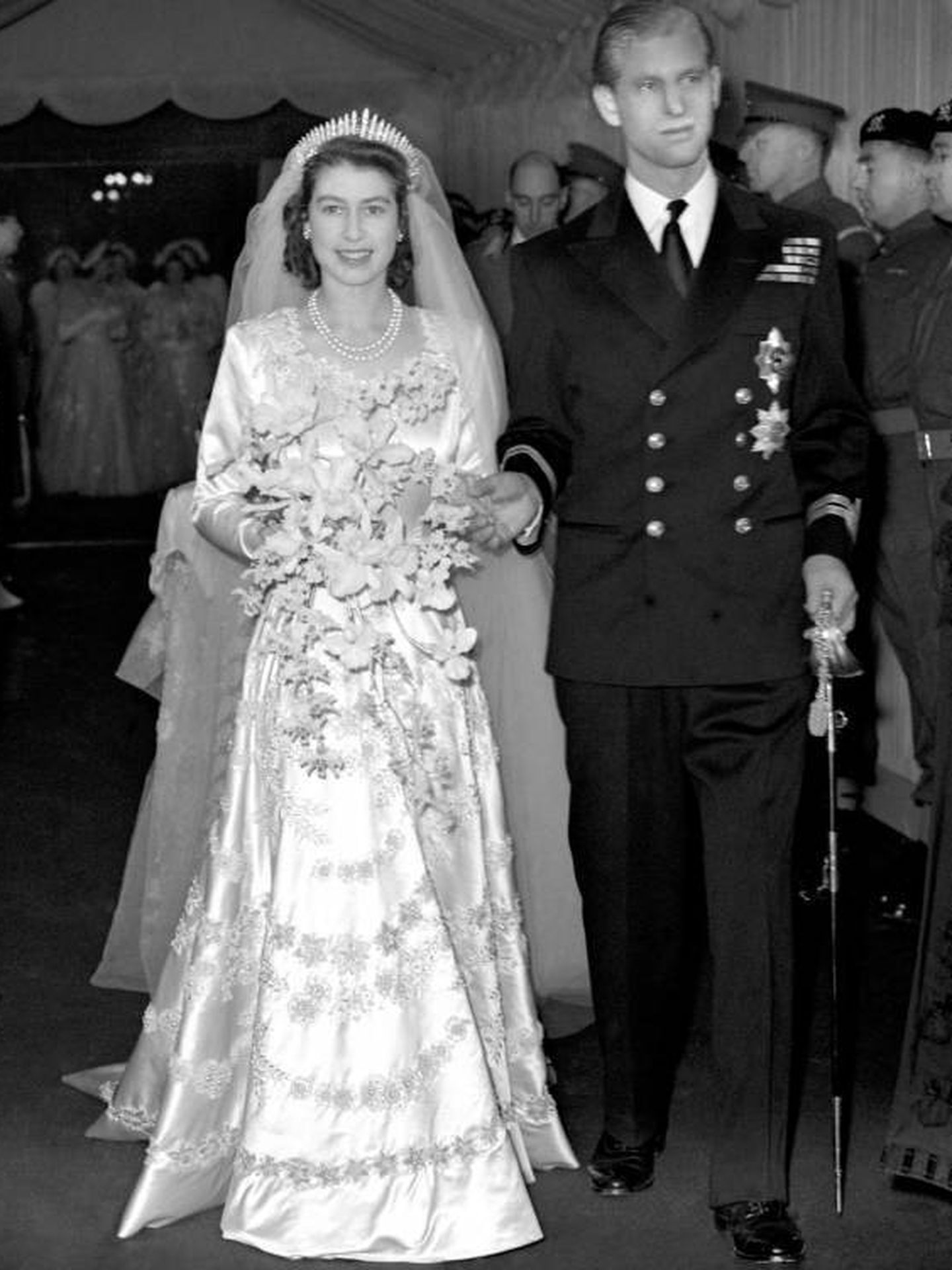 Isabel II, el día de su boda con Felipe de Edimburgo. (Cordon Press)