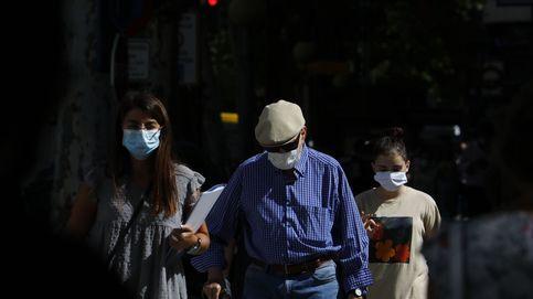 Andalucía suma 1.881 contagios, 16 muertes y sube su incidencia diez puntos