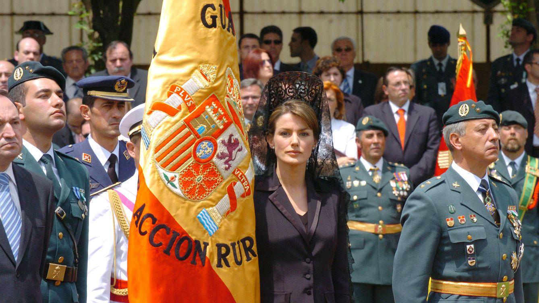 Foto: Doña Letizia en su primer acto con la Guardia Civil