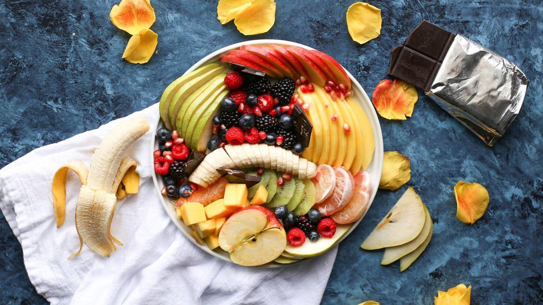 Frutas y verduras son importantes en una dieta equilibrada. (Brenda Gonidez para Unsplash)