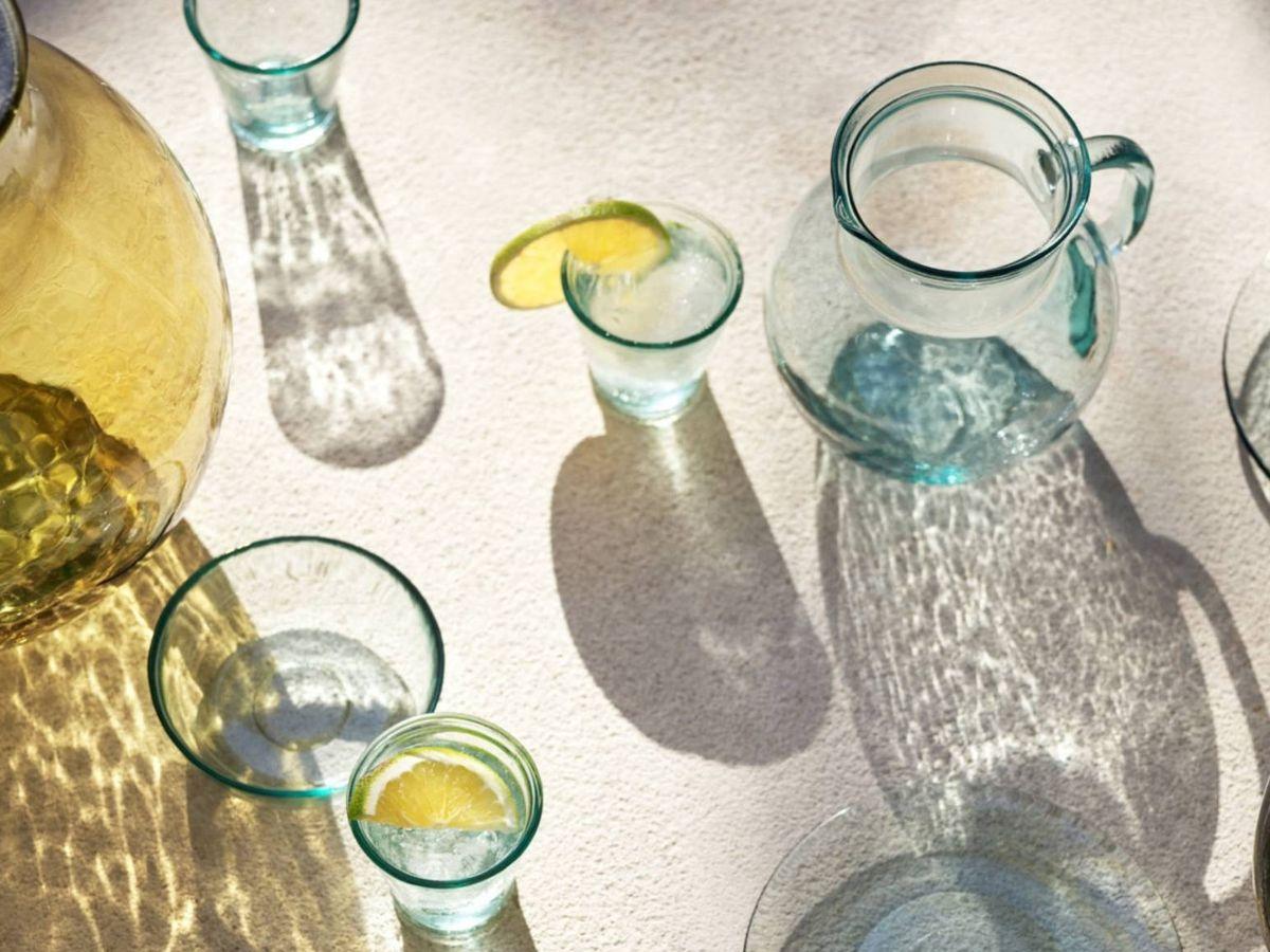 Foto: Nuevos vasos de HyM Home. (Cortesía)
