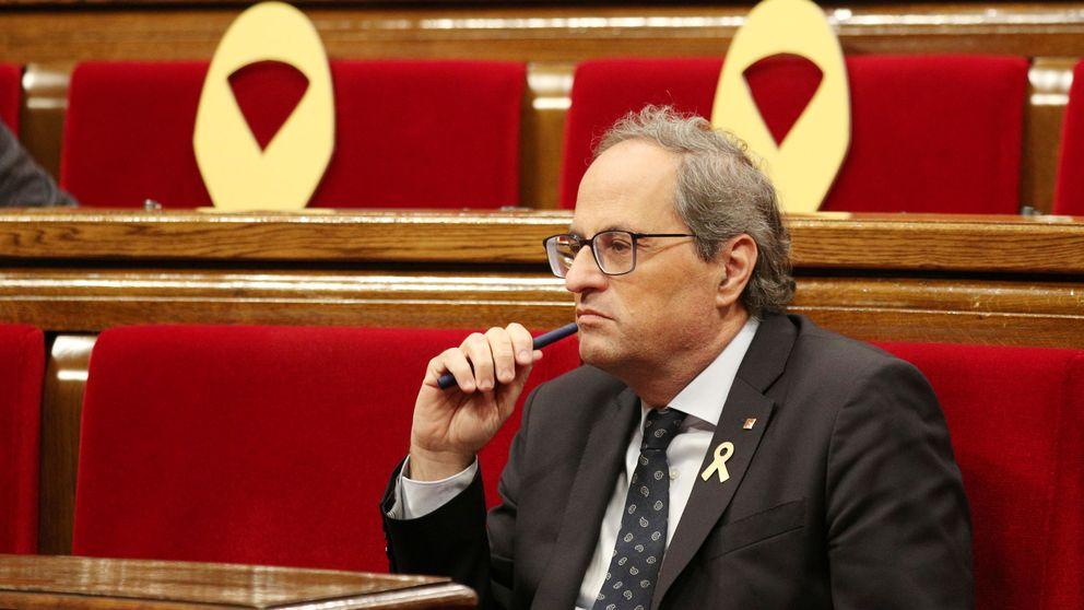 El aniversario del 1-O, en imágenes: abucheos a Torra y tensión entre manifestantes y 'mossos'