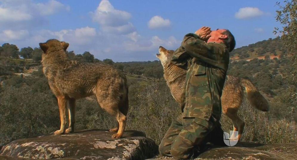 Foto: Marcos Rodríguez Pantoja, en un fotograma del documental de Gerardo Olivares 'Entre lobos'. (Wanda Vision)