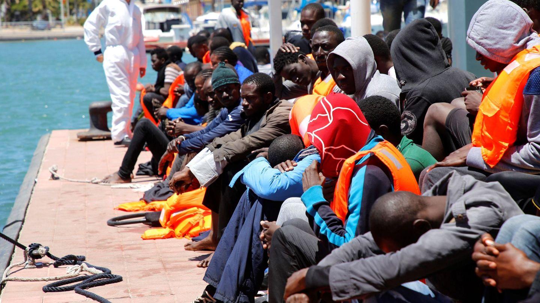Llegada a Melilla de inmigrantes de origen subsahariano el pasado mes de junio. (EFE)