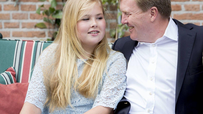 Foto: La princesa Amalia de Holanda junto al rey Guillermo Alejandro (Gtres)