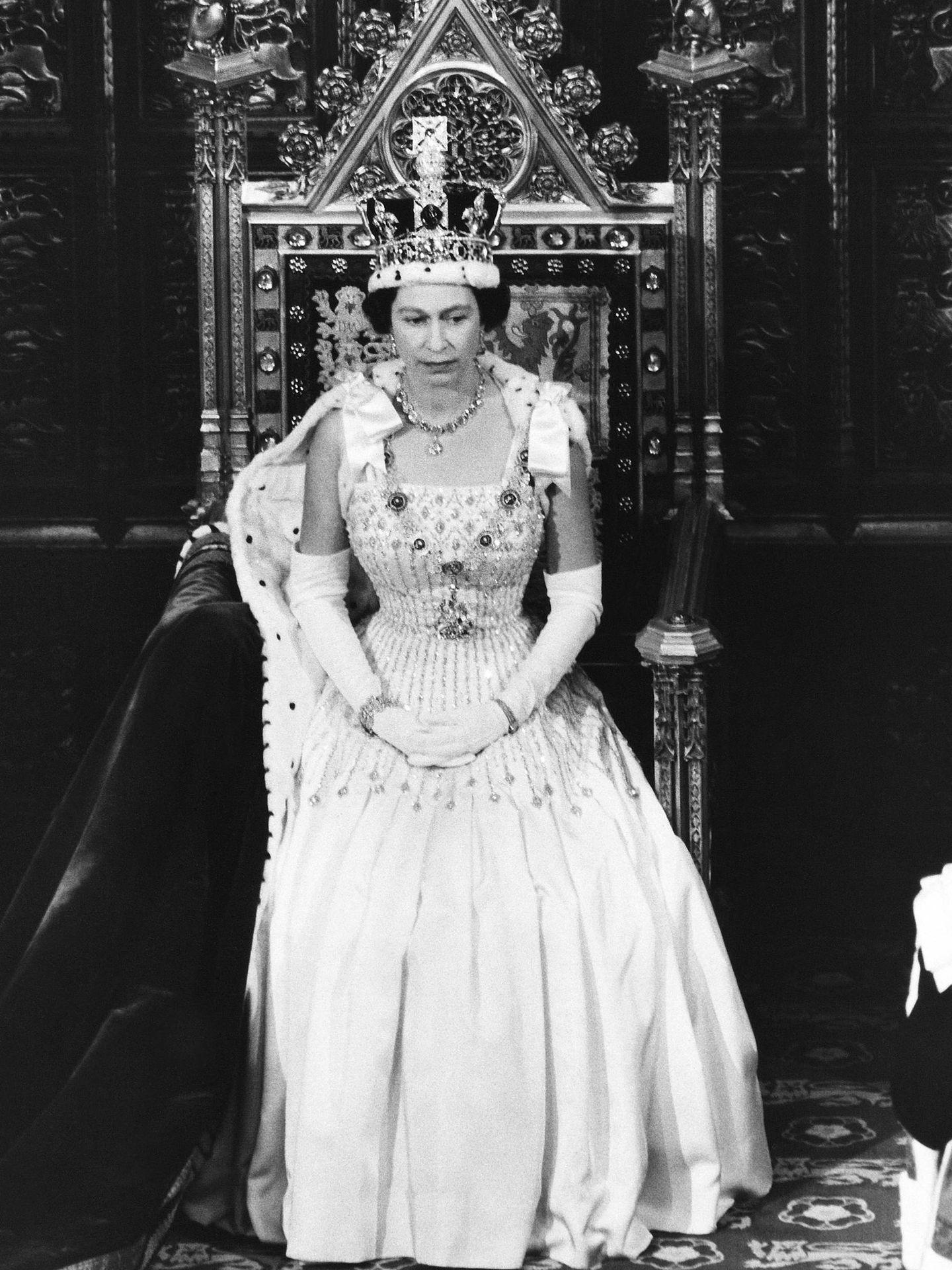 La reina con el vestido. (Getty)
