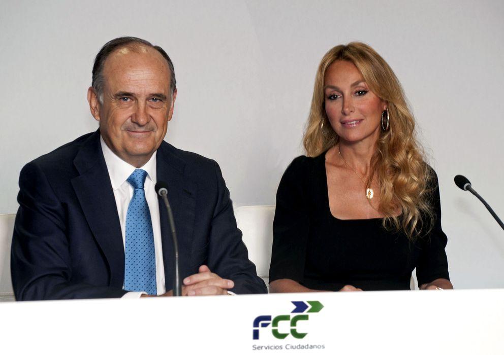 Foto: El consejero delegado de FCC, Juan Béjar, y la presidenta, Esther Alcocer Koplowitz
