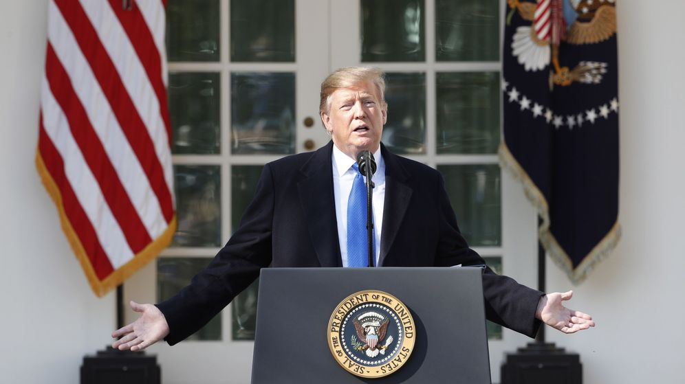 Foto: Donald Trump, durante el anuncio en los jardines del Capitolio. (EFE)