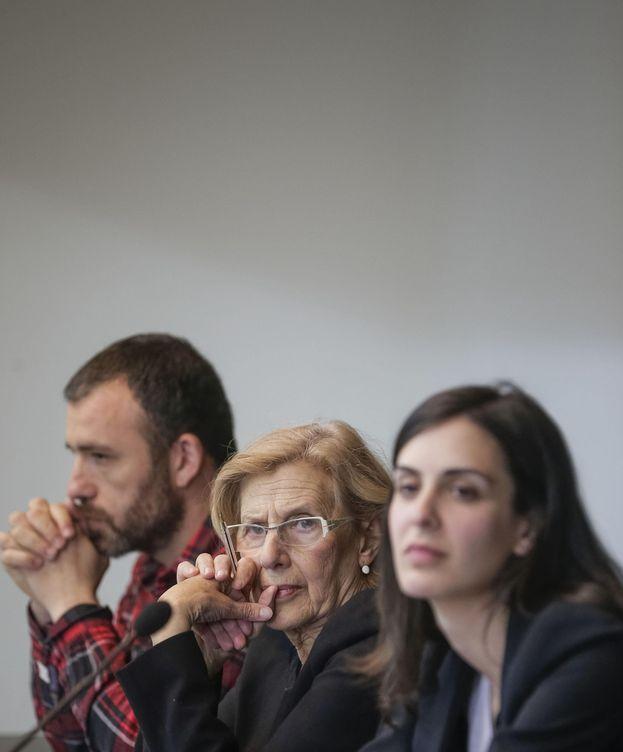 Foto: Nacho Murgui, Manuela Carmena y Rita Maestre. (EFE)