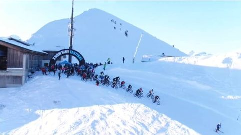 El festival ciclista que desafía el frío en los Alpes suizos
