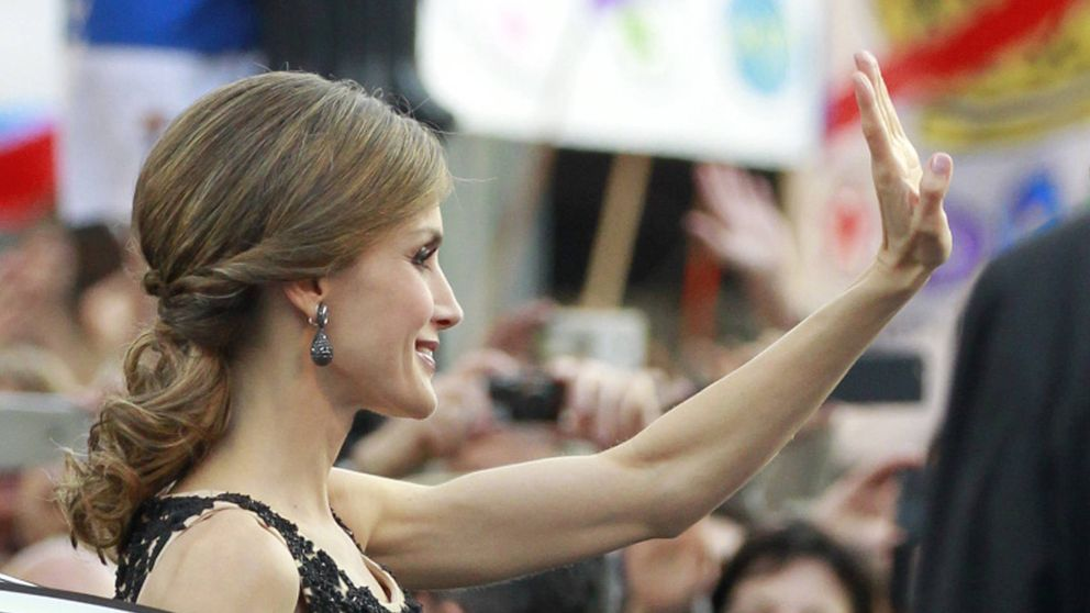 La Reina Letizia se emociona con Lorca y su madre con los piropos del pueblo