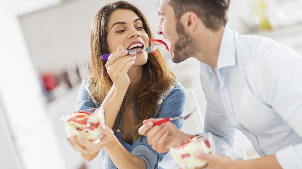 Foto: Felicidad, amor y buenos alimentos. (iStock)