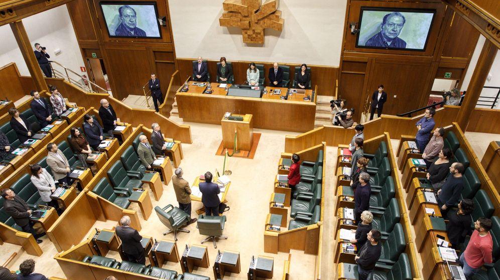 Foto: El Parlamento vasco, en una imagen de archivo del 21 de noviembre. (EFE)