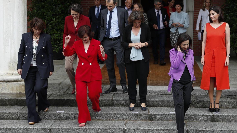 El equipo del PSOE minutos antes del posado oficial. (Gtresonline)