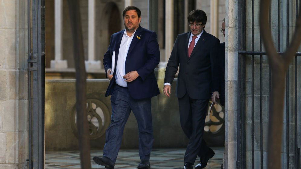 Foto: El presidente de la Generalitat, Carles Puigdemont (d), y el vicepresidente, Oriol Junqueras. (Reuters)