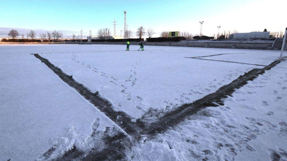 Foto: El césped donde jugarán esta noche Unionistas y Real Madrid. (EFE)