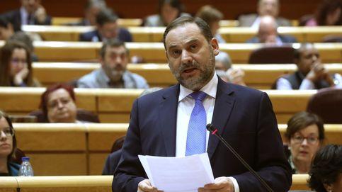 La oposición se lanza a por Ábalos por sus contradicciones en el 'Delcygate'