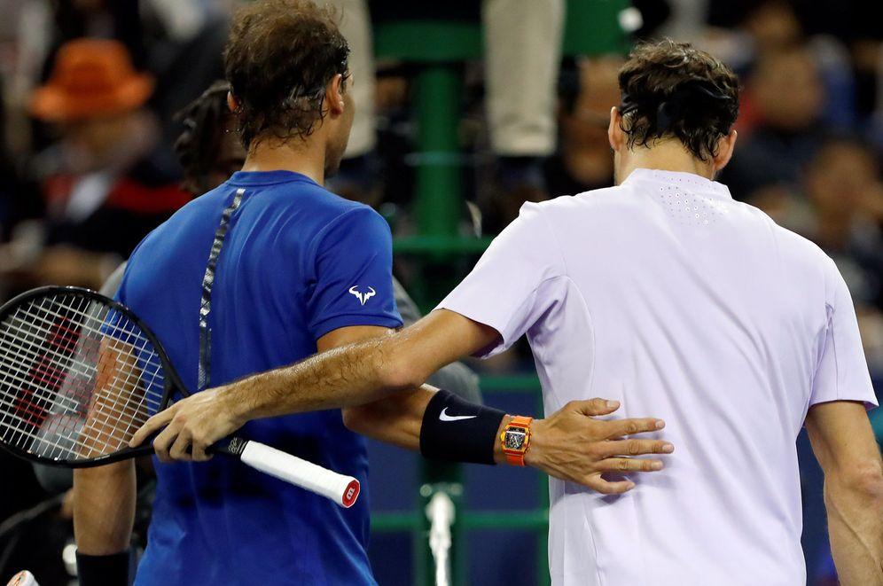 Foto: Rafa Nadal y Roger Federer dignifican el mundo del deporte. (Reuters)