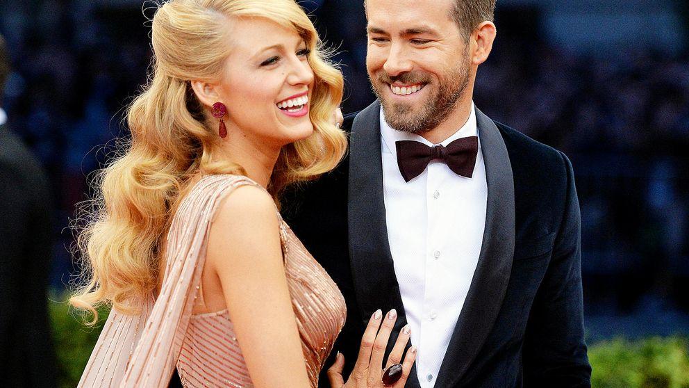 La controvertida foto en la que Ryan Reynolds le toca un pecho a Blake Lively