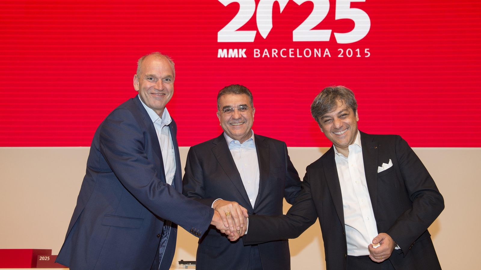Foto: Jürgen Stackmann, Francisco Javier García Sánchez y Luca de Meo.