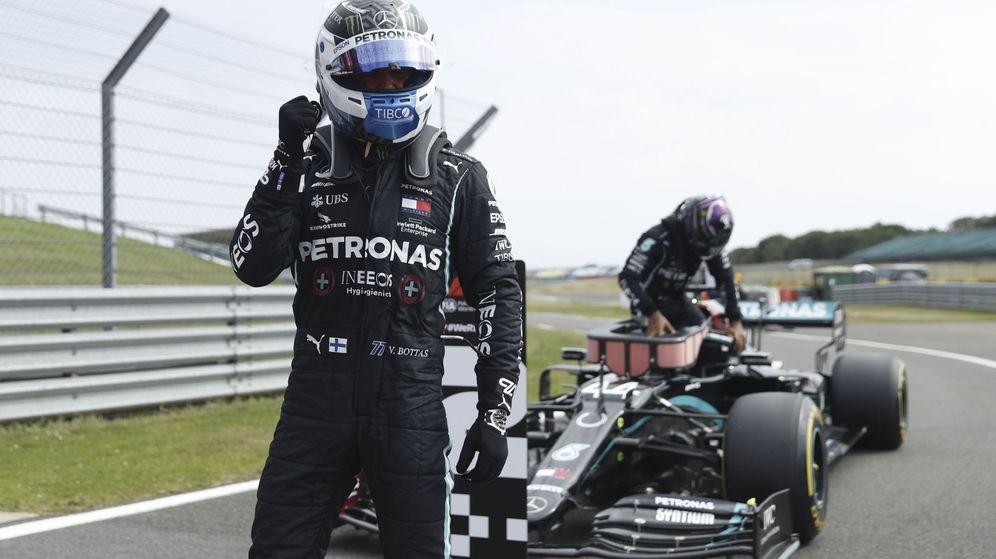 Foto: Bottas se llevó la pole por delante de Hamilton. (EFE)