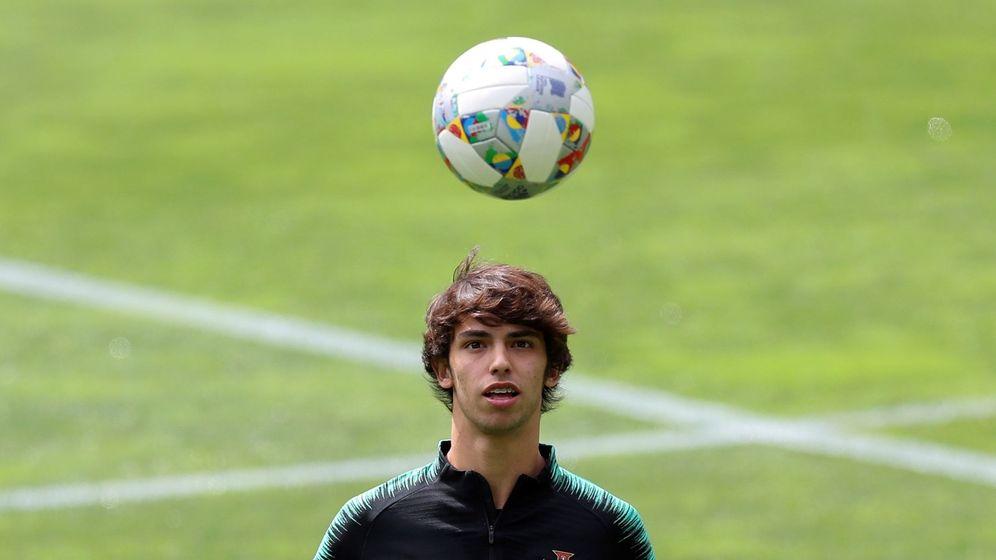 Foto: Joao Félix durante un entrenamiento con la Selección absoluta de Portugal. (Reuters)