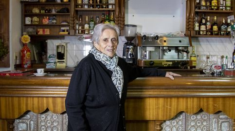 Jubilación forzosa a los 104 años: Casi no queda gente en el pueblo a quien servir