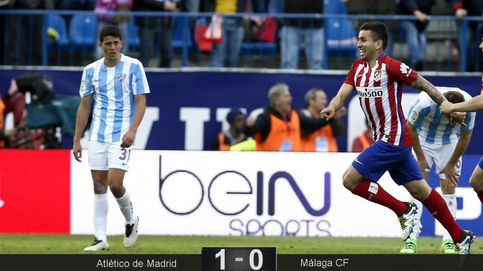 El Atlético se gana seguir en la lucha en un partido gris y con demasiada bronca