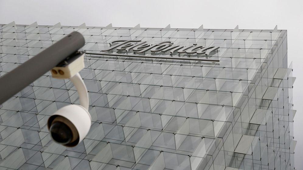 Foto: Fachada de la sede corporativa de Telefónica en Madrid. (EFE)