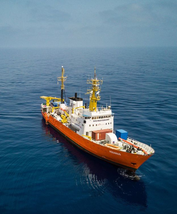 Foto: El barco Aquarius, al que el Gobierno de Italia ha prohibido atracar. (Reuters)