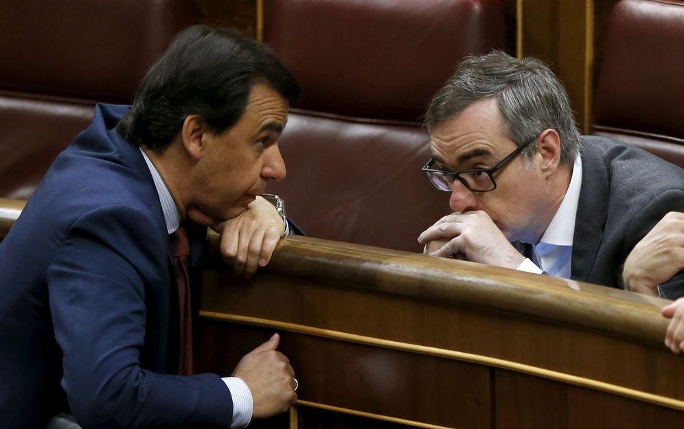 Foto: El coordinador general del PP, Fernando Martínez-Maillo, junto al secretario general de Ciudadanos, José Manuel Villegas. (EFE)