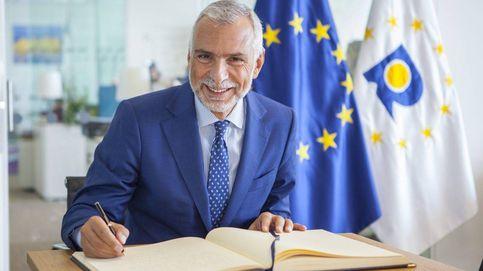 Cuestionan en el Senado italiano a su embajador en Madrid por una bandera LGBT
