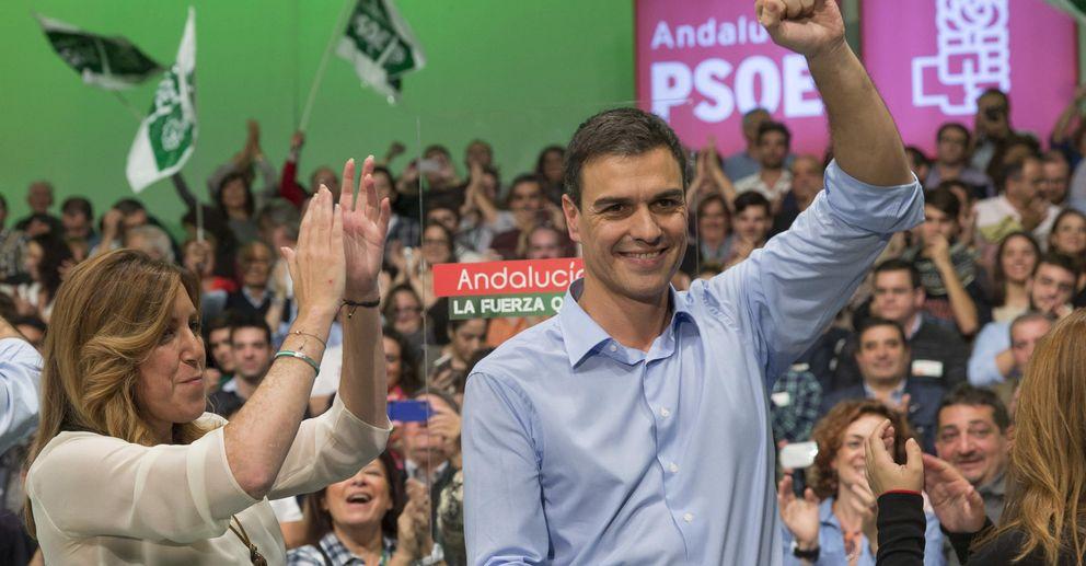 Foto: Pedro Sánchez y Susana Díaz, juntos en un acto del PSOE en Sevilla. (EFE)