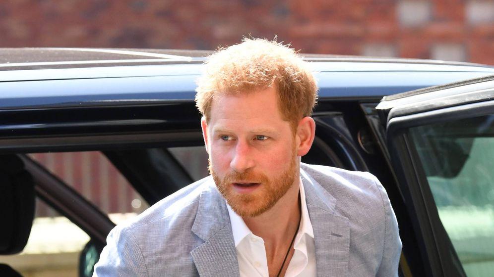 Foto: Harry durante la visita al Sheffield Hospital. (Cordon Press)