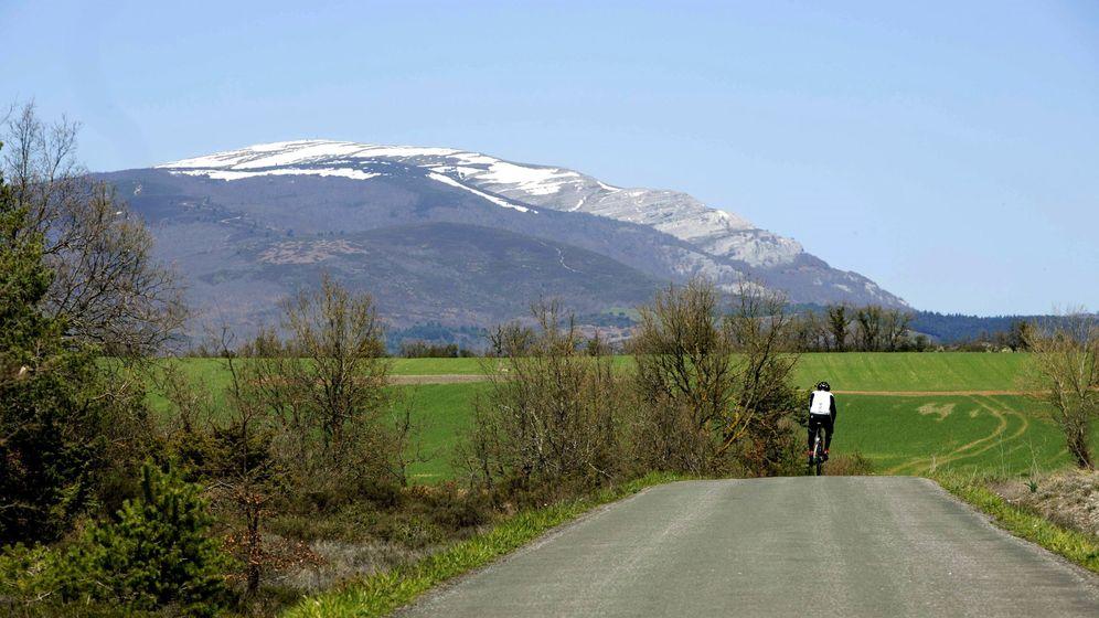 Foto: Imagen de archivo en una localidad cercana a Vitoria, con el monte Gorbea nevado de fondo. (EFE)