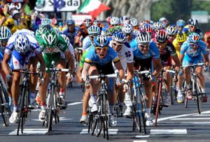 Cavendish ganó la duodécima etapa, marcada por el dopaje