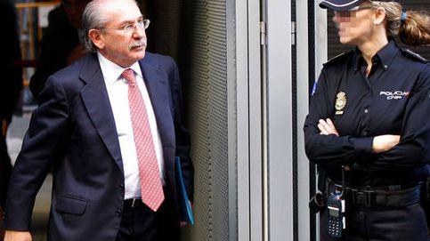 Pinchazos y 15 coches: así planeó Villarejo espiar a Del Rivero para Repsol y CaixaBank
