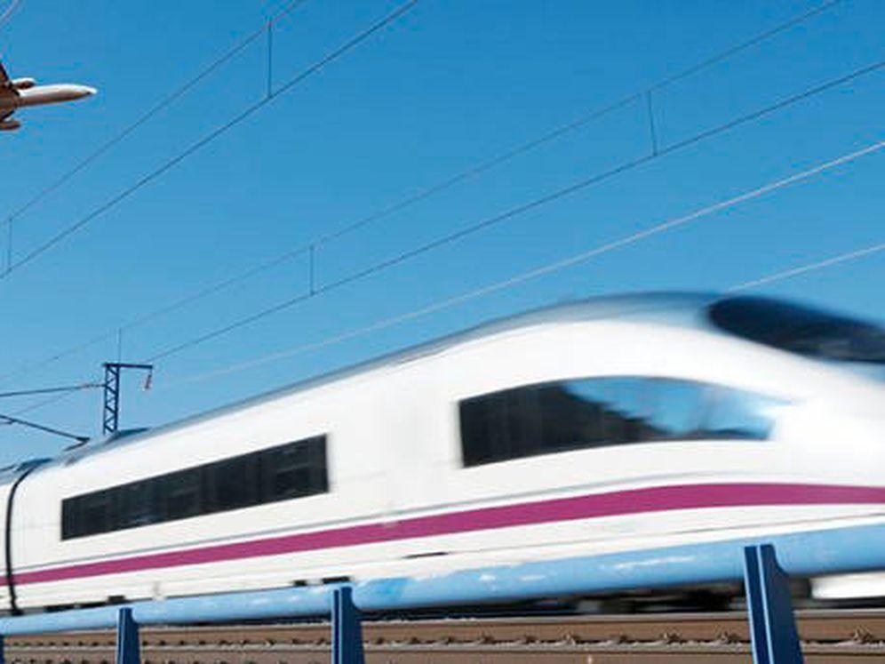 Foto: Tren Vs. avión