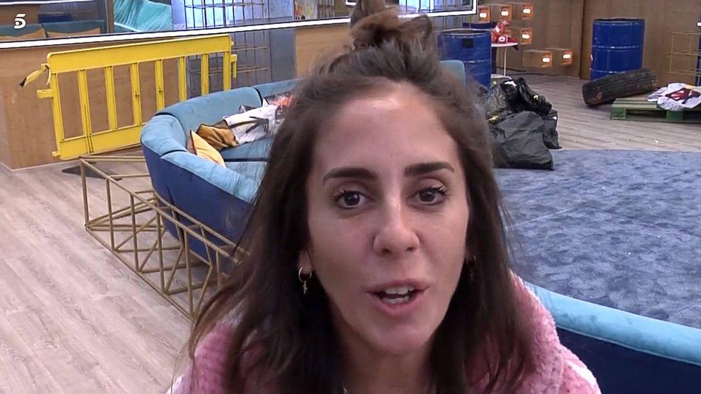 Anabel Pantoja la lía en su primera noche en 'Sálvame Okupa'