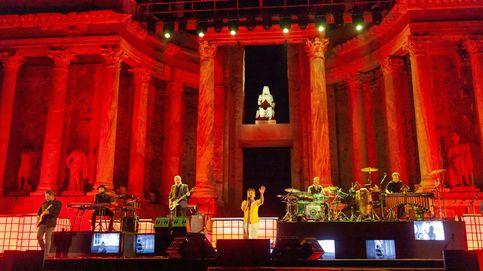 Love of Lesbian celebra su cuarto de siglo con un concierto en el exclusivo Teatro Romano de Mérida