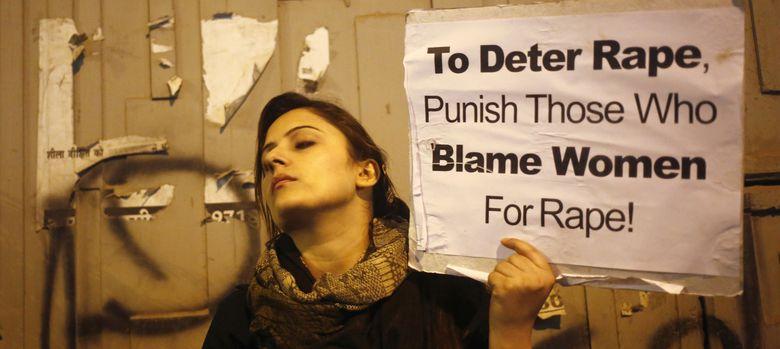 Foto: Una manifestante, en el aniversario de una brutal violación en Delhi. (Reuters)